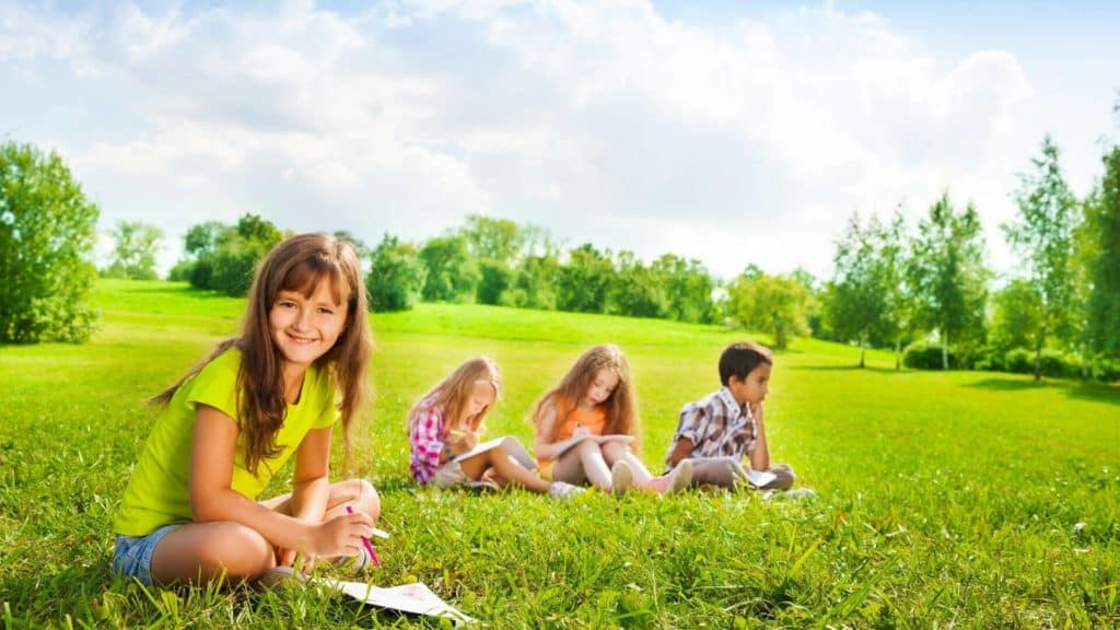 kids studying outside summer